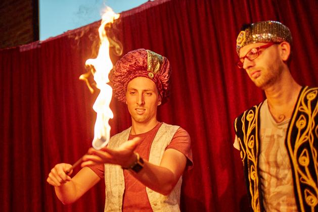 Fakir und Feuer